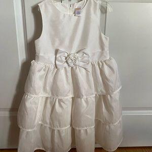 Girls size 7 beautiful dress